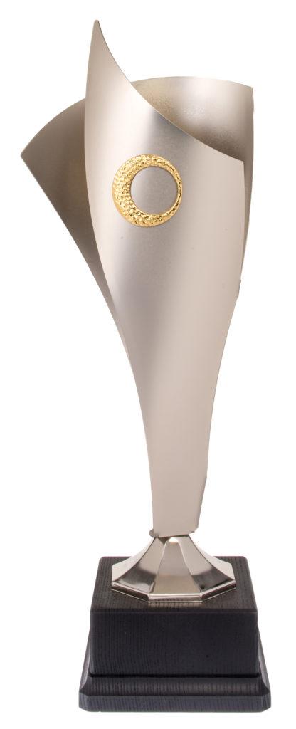 Coppa con struttura in metallo