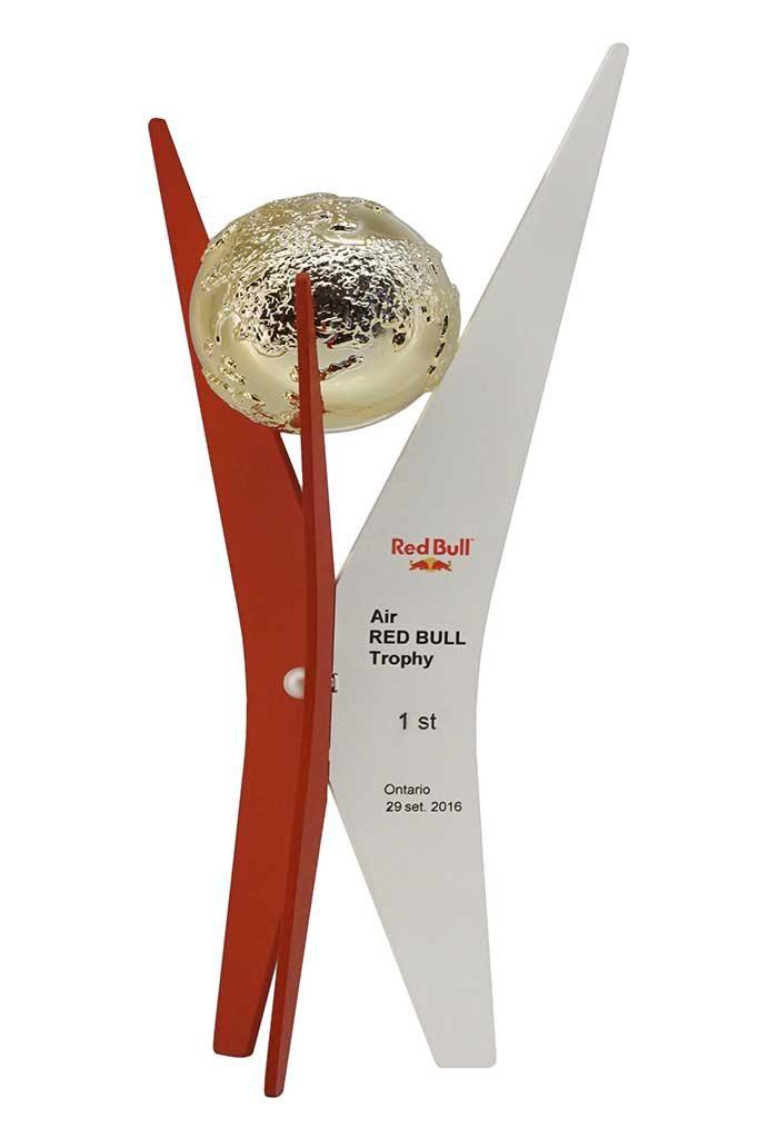 Trofeo con lamine in metallo argentato